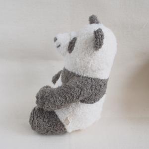 パンダのぬいぐるみ横